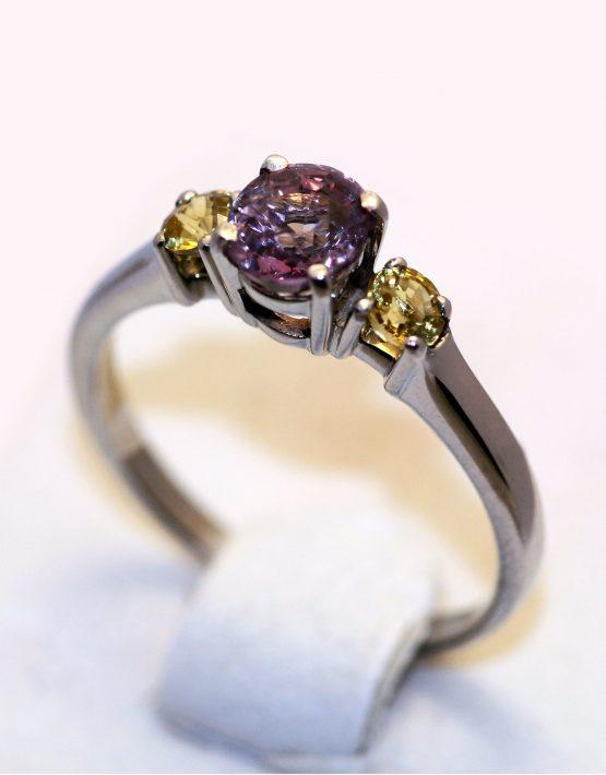 купить кольцо со шпинелью
