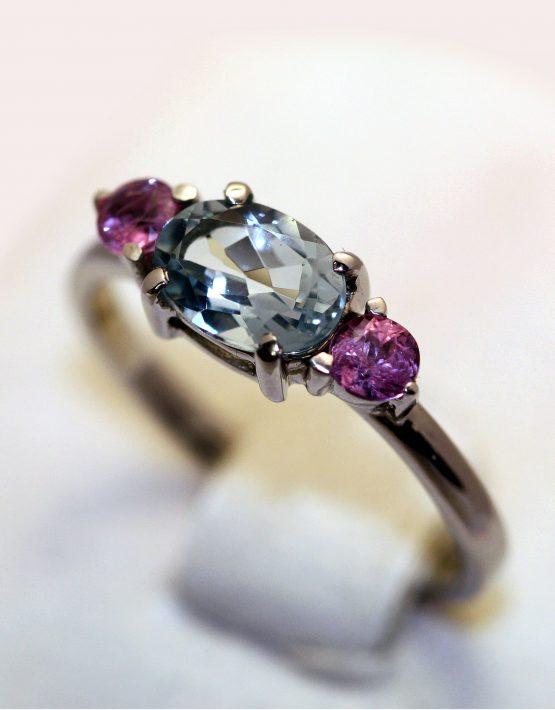 кольцо с аквамарином и сапфирами