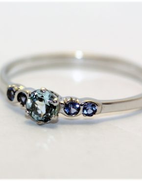 недорогое кольцо из белого