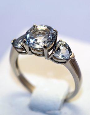 кольцо с аквамаринами