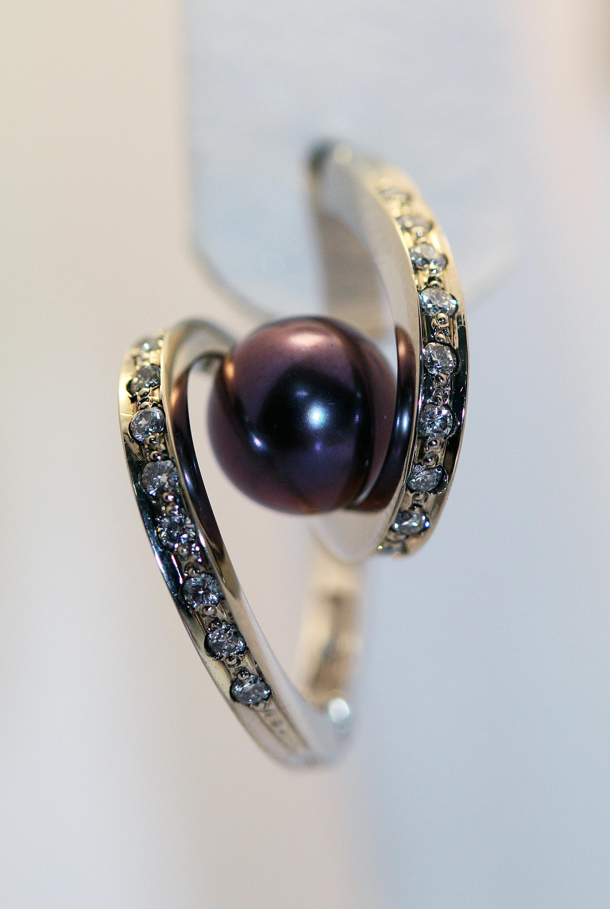 Золотые серьги «Пружинка» с черным жемчугом и бриллиантами Золотые серьги,  Бриллианты, Жемчуг 20b6161adc5