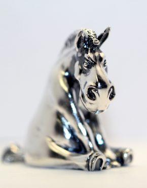 серебряная статуэтка лошадь