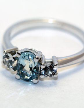 купить кольцо из белого