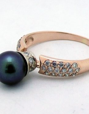 кольцо с черным жемчугом