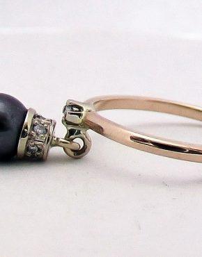 кольцо с подвеской жемчуг