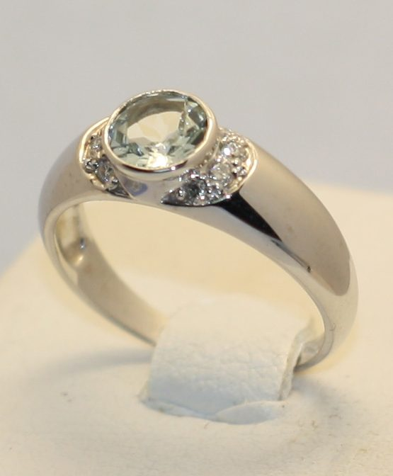 кольцо из золота белого
