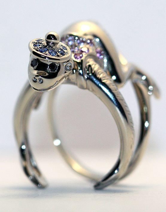кольцо с обезьяной