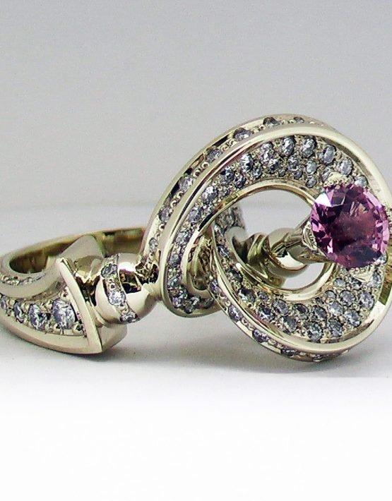 кольцо из белого золота 750 пробы