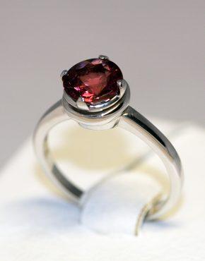 золотое кольцо с турмалином