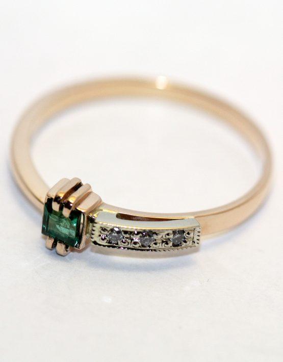 купить кольцо золотое с изумрудом