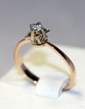 кольцо с бриллиантом 0,1