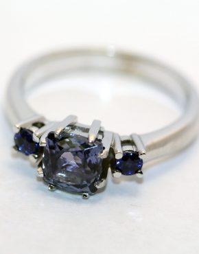 купить кольцо из белого золота