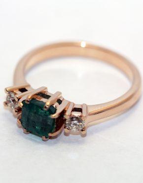 кольцо в розовом