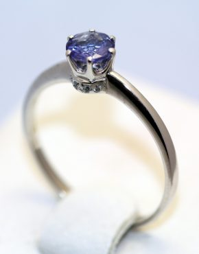золотое кольцо с одним