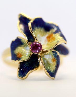 кольцо с эмаль