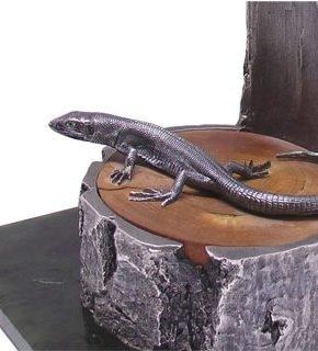 статуэтка ящерица