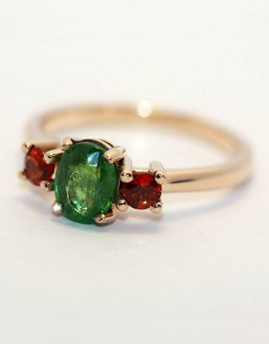 кольцо с тсаворитом